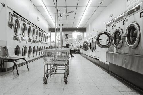 https://cdn.pixabay.com/photo/2014/12/14/16/05/laundry-saloon-567951_960_720.jpg